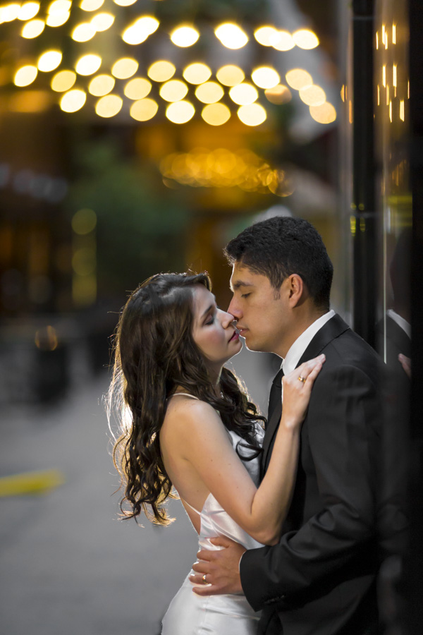 Bride and groom kiss in the sutherland shire
