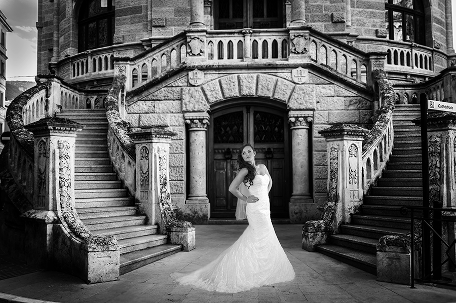 Sutherland-shire-bride-standing-on-stairs.jpg